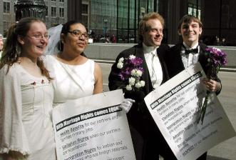 gay-people-getting-married